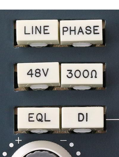 BAE 1066DL PreAmp EQ 500 Series Macro