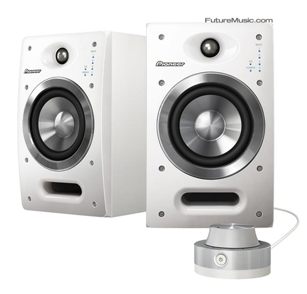 Pioneer-DJ05-speakers