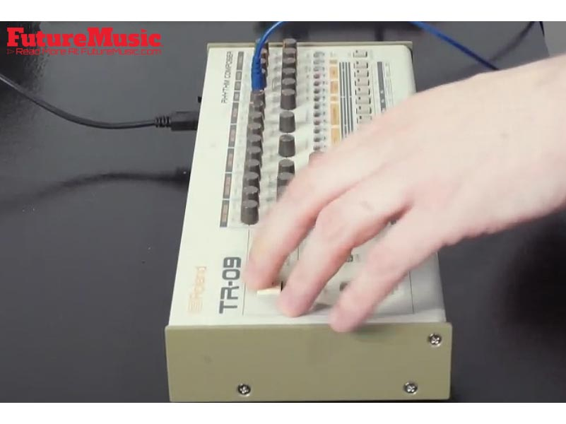 Roland TB-09 In Action FutureMusic