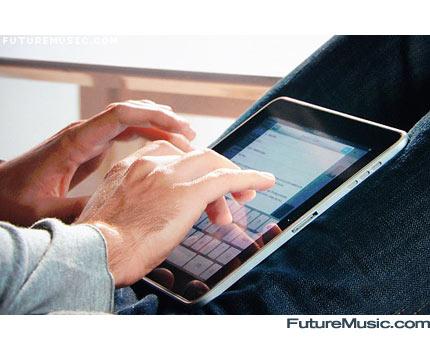 Apple iPad Typing