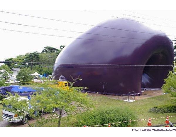 ark-nova-inflatable-concert-hall-outside