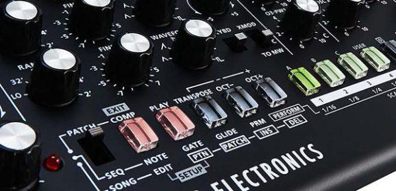 Roland & Studio Electronics Partner On SE-02 Boutique Designer Analog Monophonic Synthesizer