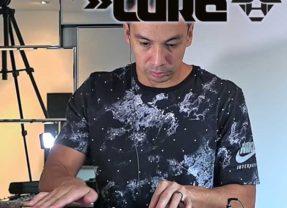 DJ Laidback Luke Reveals His Internal Thought Process While DJing A Set